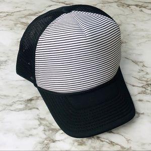 ArieBdesigns Pinstriped hat